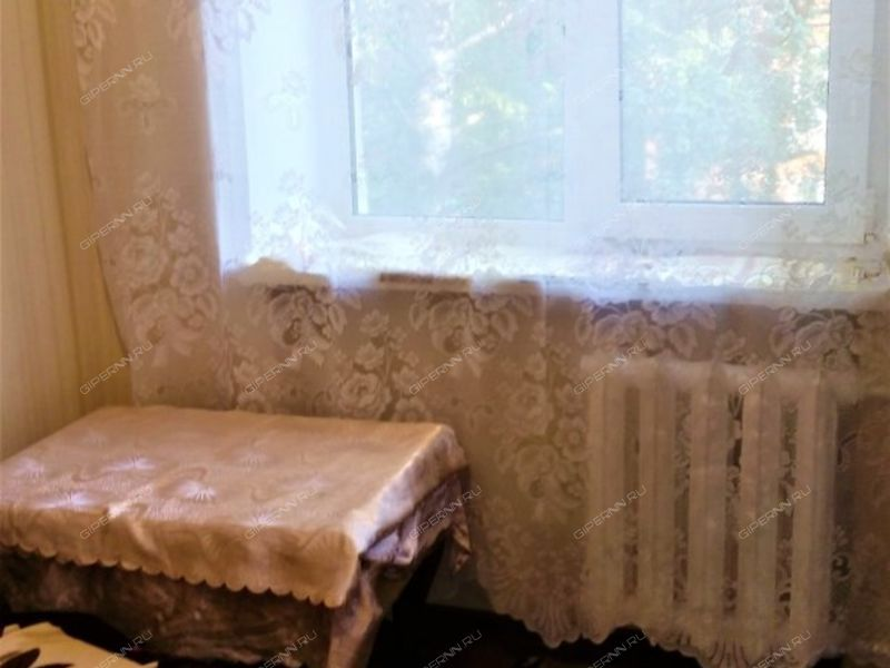 комната в доме 4 на улице 1-й микрорайон Щербинки