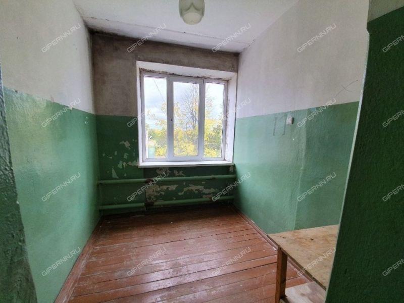 комната в доме 3А на Школьной улице село Большое Мокрое