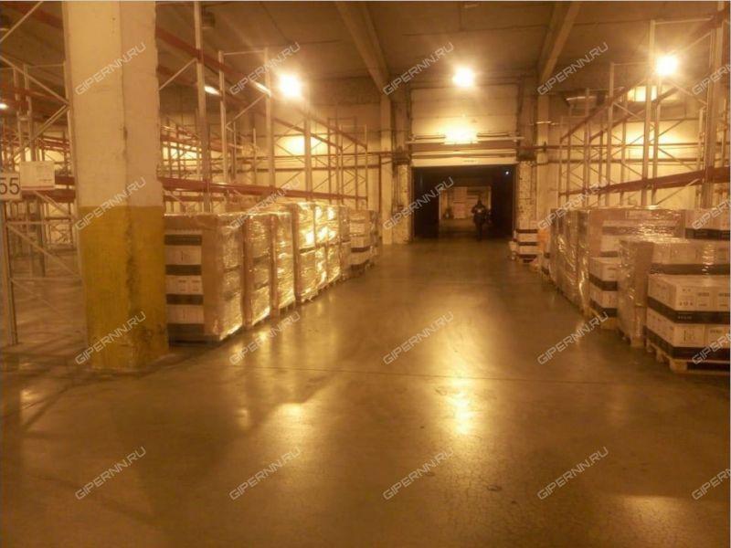 помещение под склад, производственную площадь на улице Федосеенко